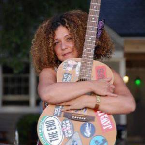 Karen Maria Schleifer www.CurlyKaren.com