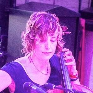 Cellist, Jen Mulhern www.JenuineCello.com